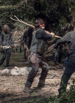 the-walking-dead-s10e10-stalker-025.jpg